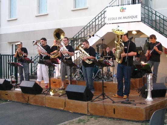 Octopussy en concert Cour de l'Ecole de Musique Surgères